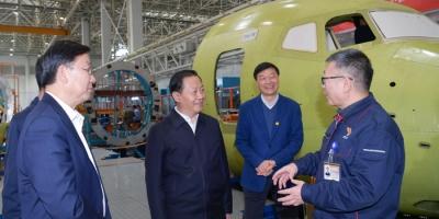四川省委书记:努力打造世界一流航空制造企业 为四川航空产业高质量发展贡献力量