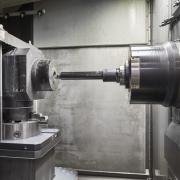 斯达拉格和KOSO Kent Introl公司使用主轴头打开单次装夹节省阀门加工成本的闸门