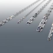 Iscar的超长整体硬质合金钻头有 30、40 和 50倍径