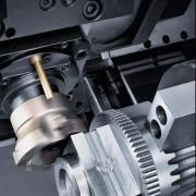 6面完整加工:DMG MORI 配GX桁架机械臂的NLX车铣复合中心