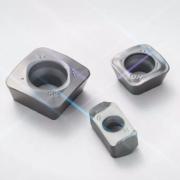 京瓷MFH系列:追加刀尖强化型GH断屑槽及高硬度・高耐热性涂层材质PR015S