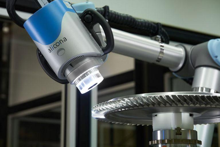 Alicona Cobot verifying break edge on turbine engine components